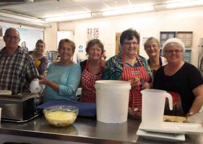 Christmas_Lunch–kitchen-volunteers